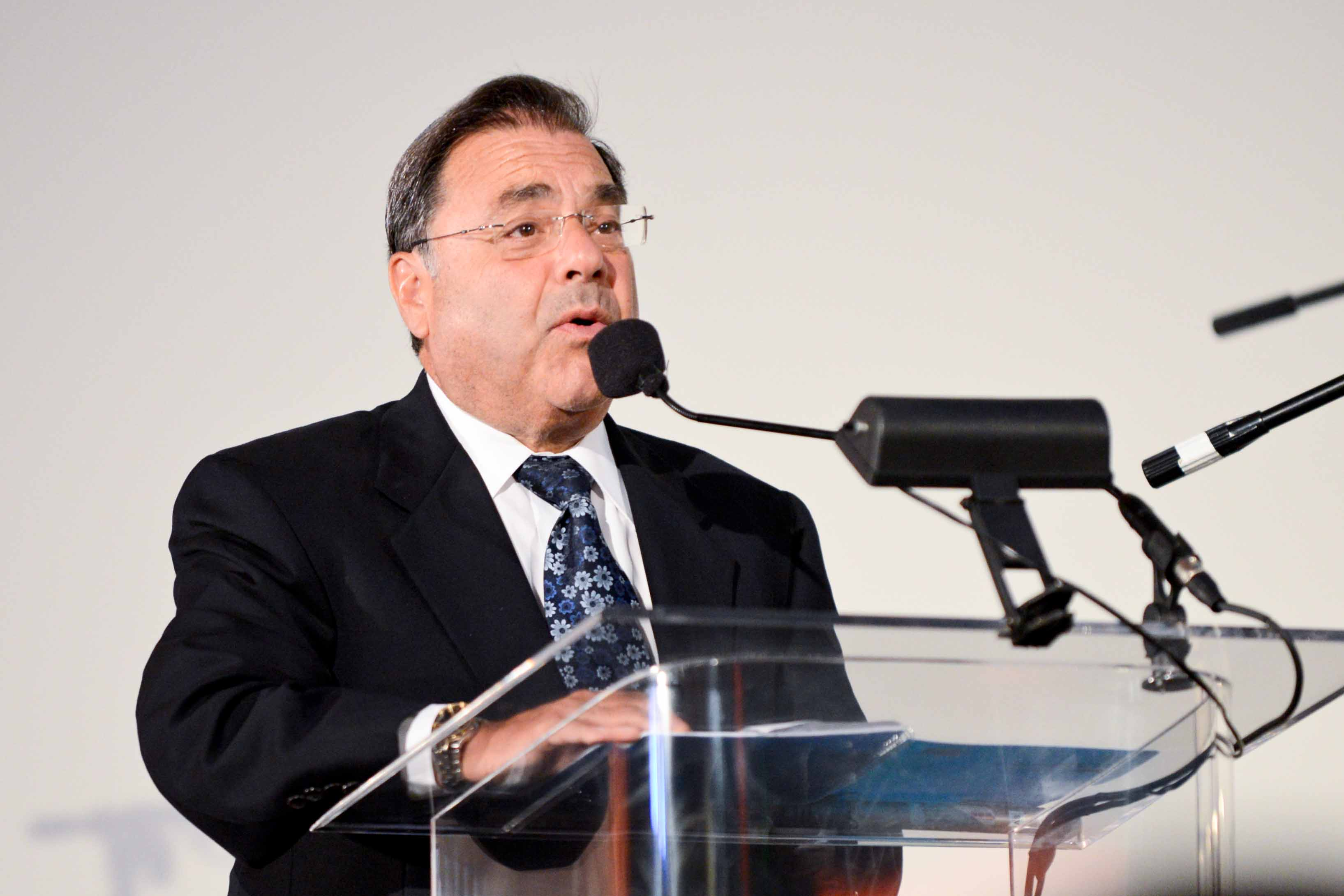 Rabbi Riskin speaking