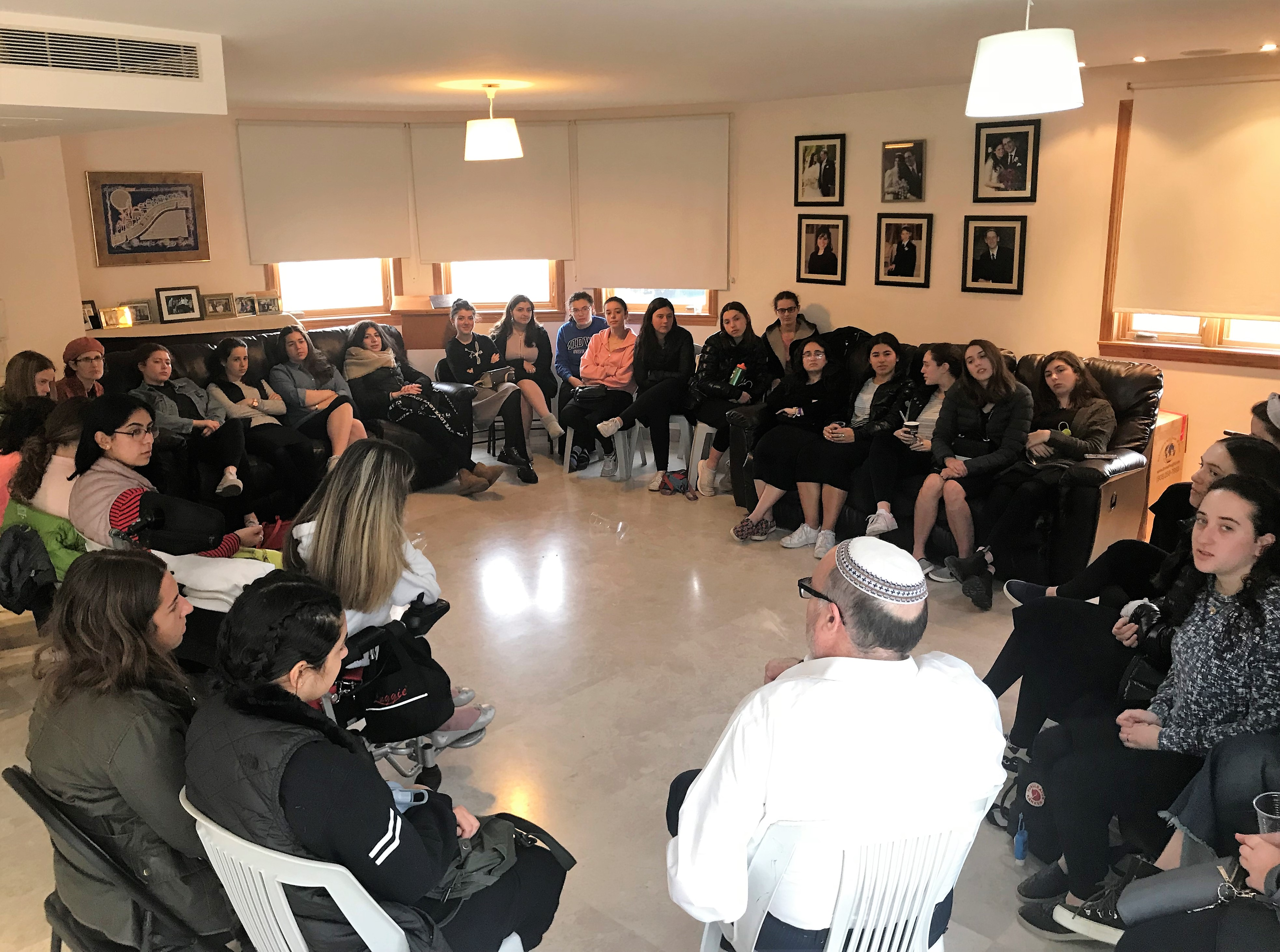 giving shiur