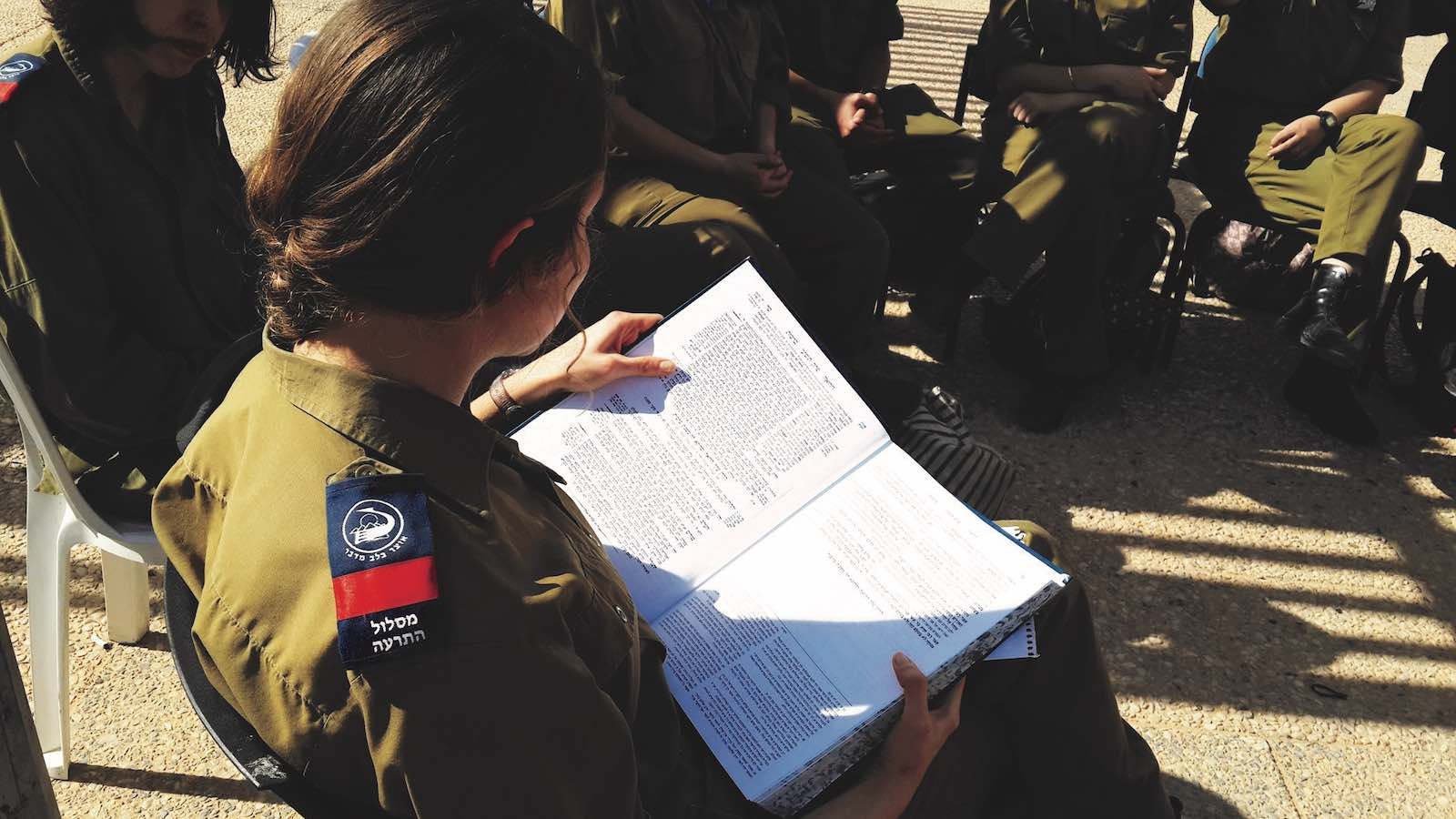hadas soldier studying