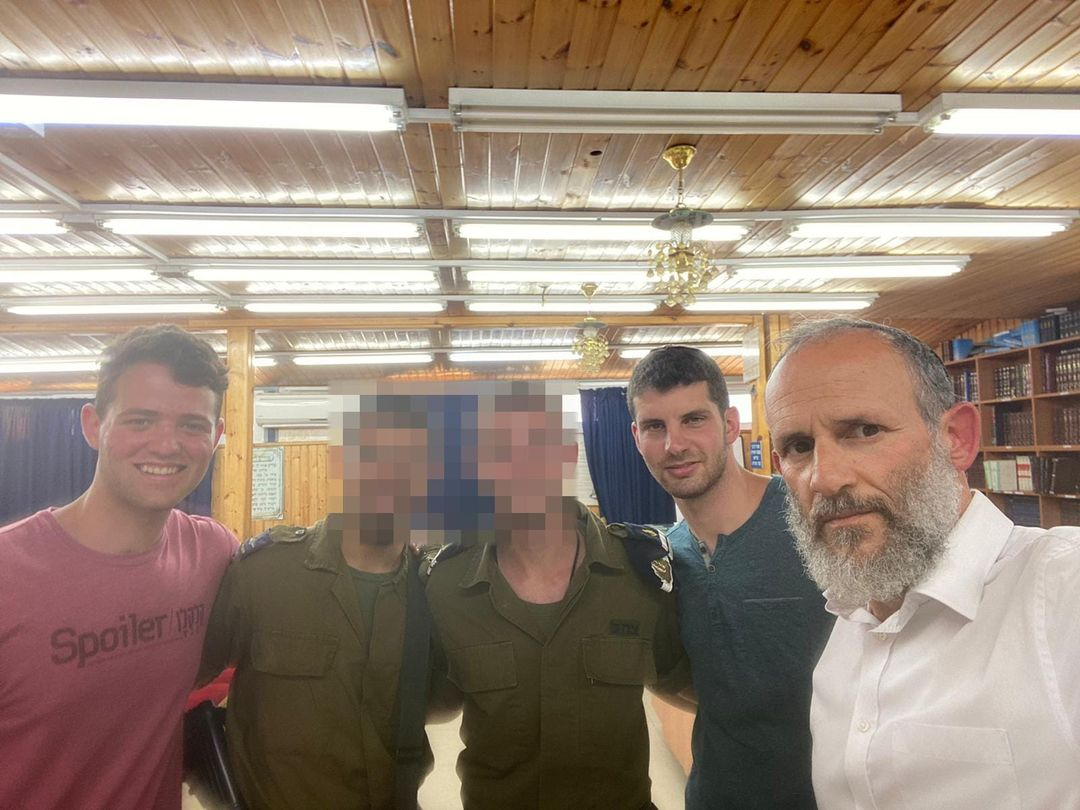 Visiting the yeshiva's soldiers on base